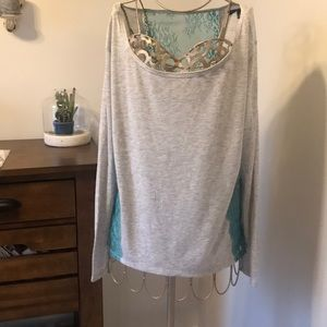 4 for $25 American Eagle lace detailed top